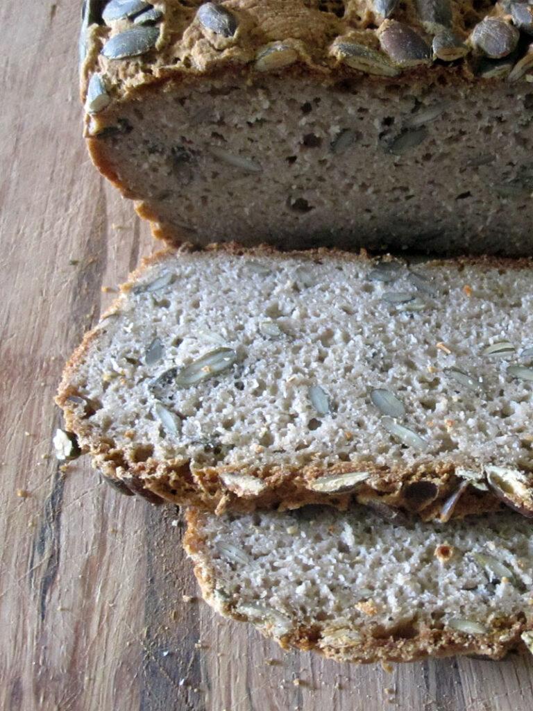 Veganes Glutenfreies Kuerbis Kern Brot 3