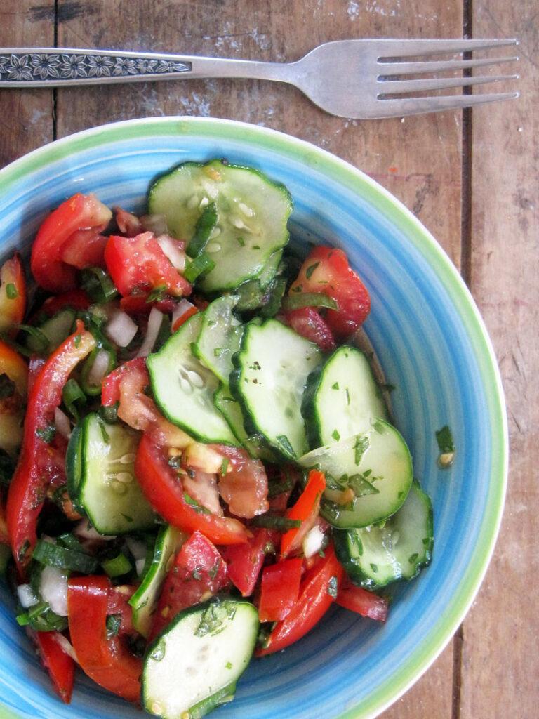 Easy Vegan Tomato Cucumber Salad Recipe 3