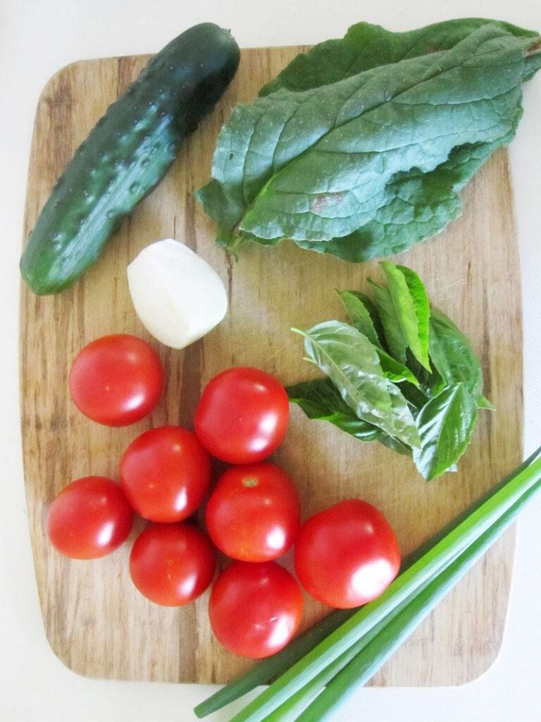 Einfacher Veganer Gurken Tomaten Salat Rezept 1