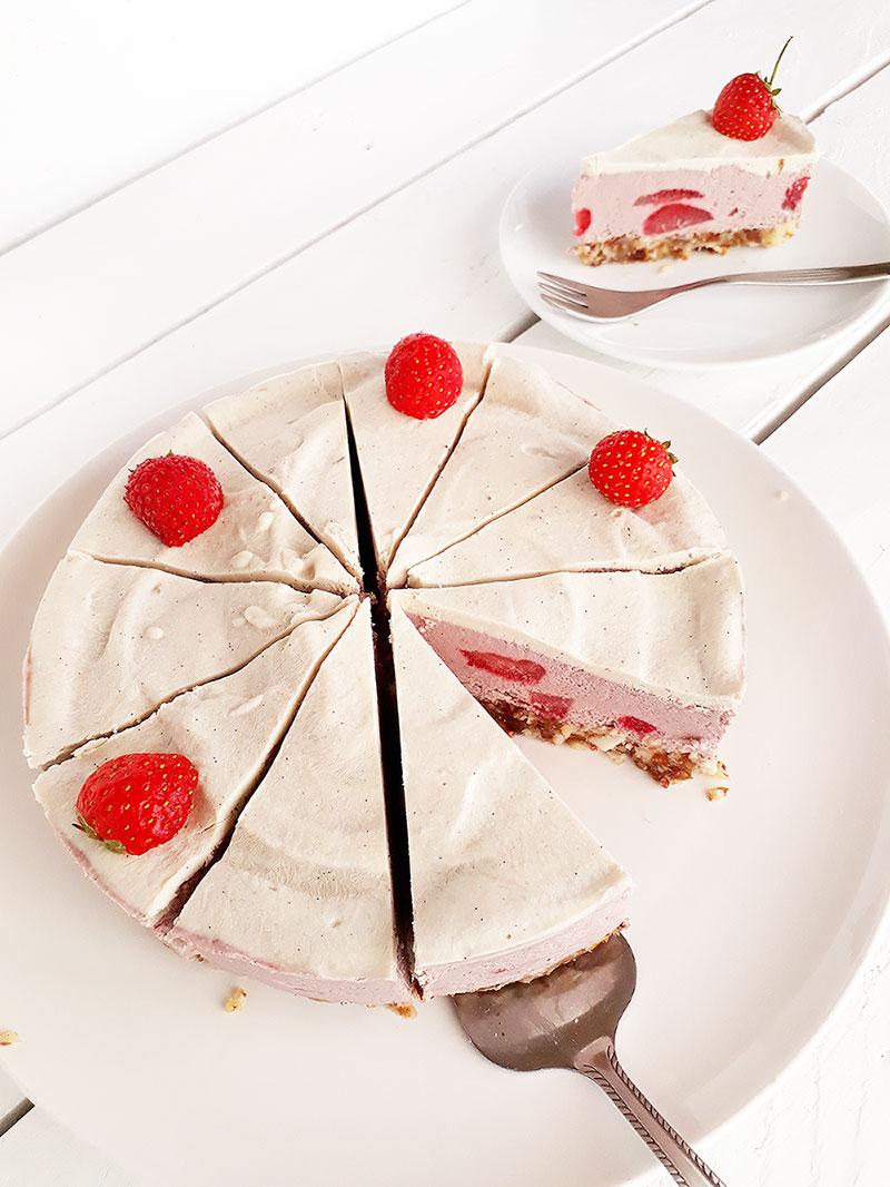 No Bake Strawberry Cake Vegan Gluten free 2