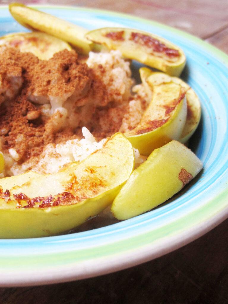 Veganer Glutenfreier Reis Porridge Apfel Zimt Rezept