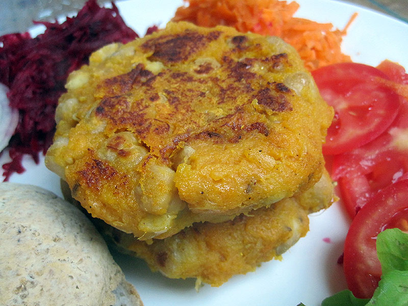 Vegane Glutenfreie Kichererbsen Suesskartoffel Burger Bratling