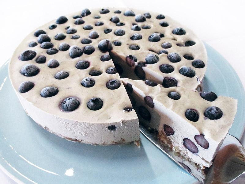 Vegan Gluten-free Fruit-Sweetened No Bake Blueberry Vanilla Cake Recipe