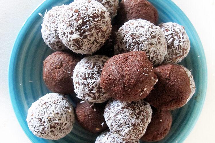 Vegan Glutenfrei Schoko Baellchen Fruchtgesuesst Ohne Nuesse Rezept 2 1 1