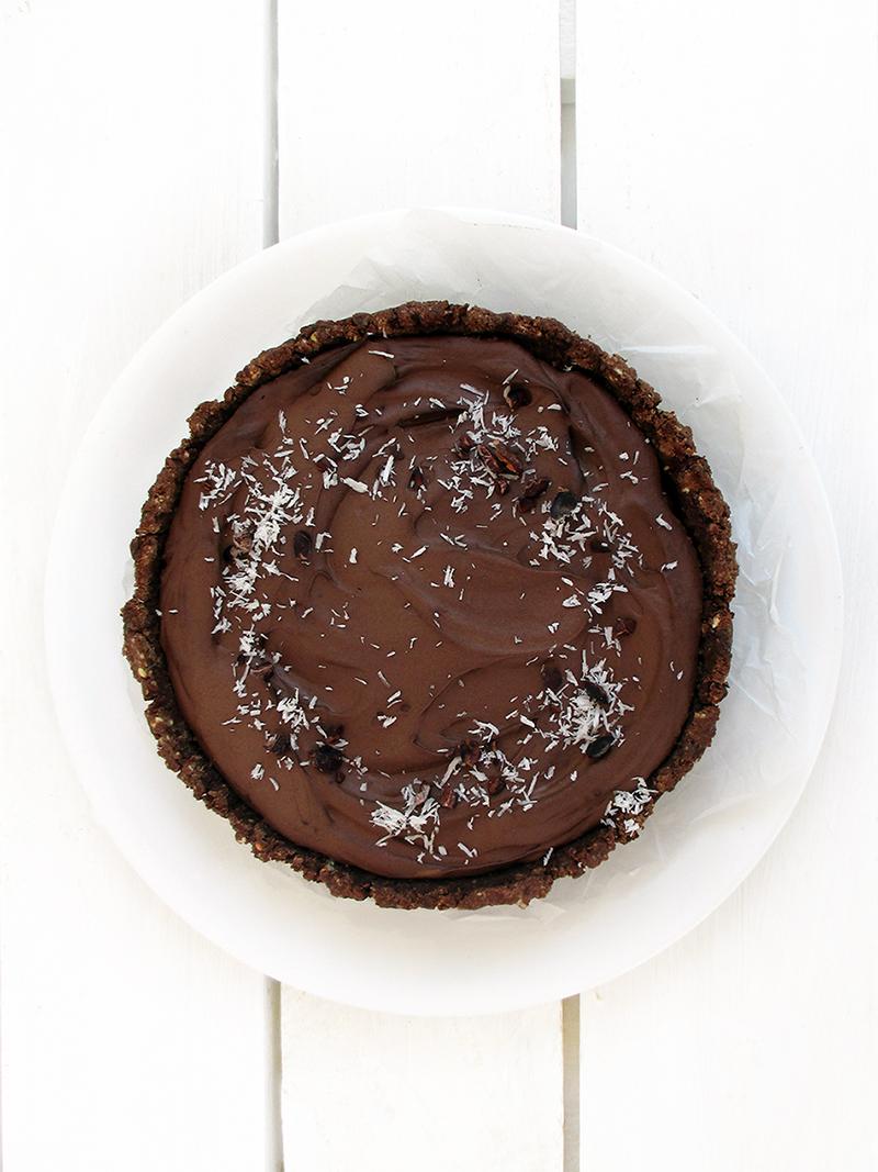 Vegan Gluten free Nut free Fruit Sweetened No Bake Chocolate Cake Recipe 1