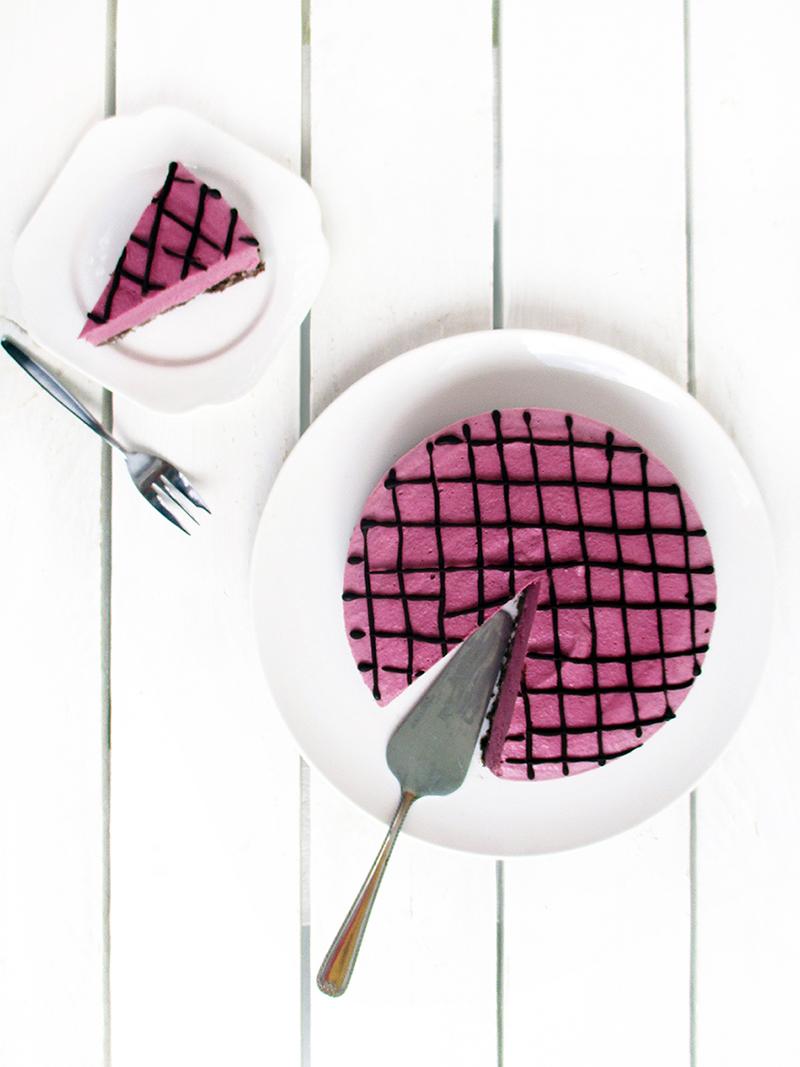 Vegan Fruit Fweetened Raspberry Chocolate Cake