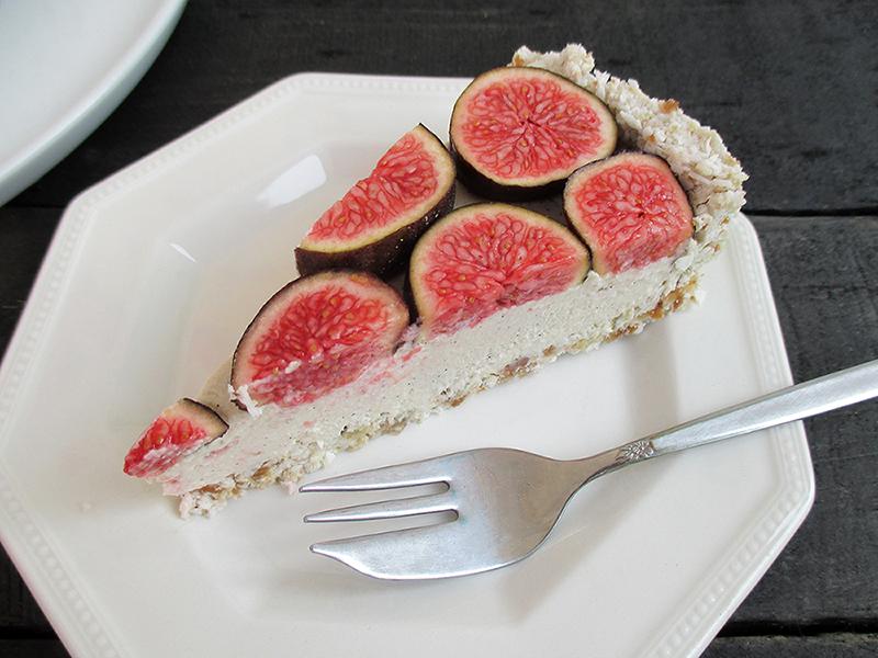 Vegan Gluten free Nut free No Bake Vanilla Fig Tart Fruit Sweetened Recipe 4