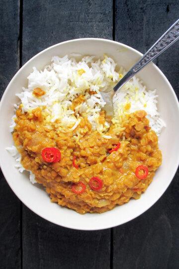 Veganes Glutenfreies Einfaches Wuerziges Rote Linsen Dal Rezept 3 1