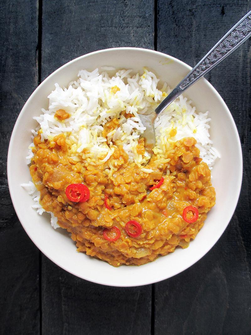 Veganes Glutenfreies Einfaches Wuerziges Rote Linsen Dal Rezept 3