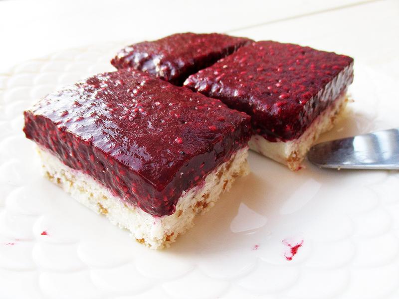 Vegan Gluten free No Bake Berry Coconut Cake Slices Fruit Sweetened Recipe 3