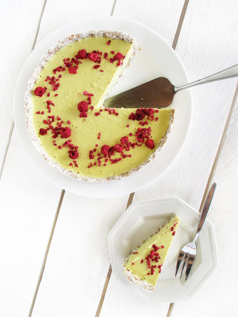 Vegan And Gluten-Free Lemon Tart Without Baking