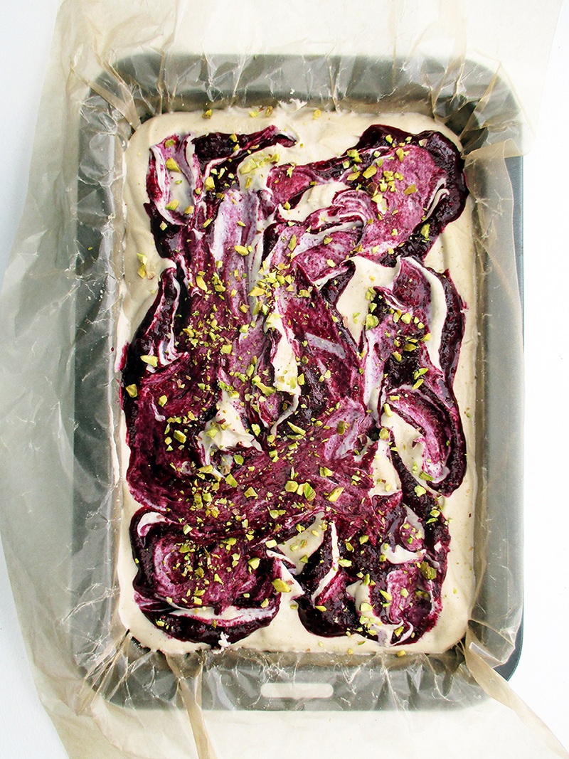 Vegan Gluten free Fruit Sweetened No Bake Raw Berry Vanilla Cake Slice Recipe 1