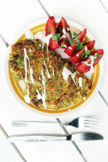 Vegane Glutenfreie Zucchini Basilikum Tomate Bratlinge Rezept 1 1