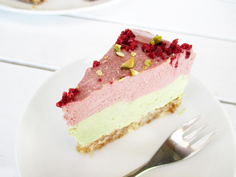 Vegan Gluten free Fruit Sweetened No Bake Strawberry Lime Cake Recipe 5