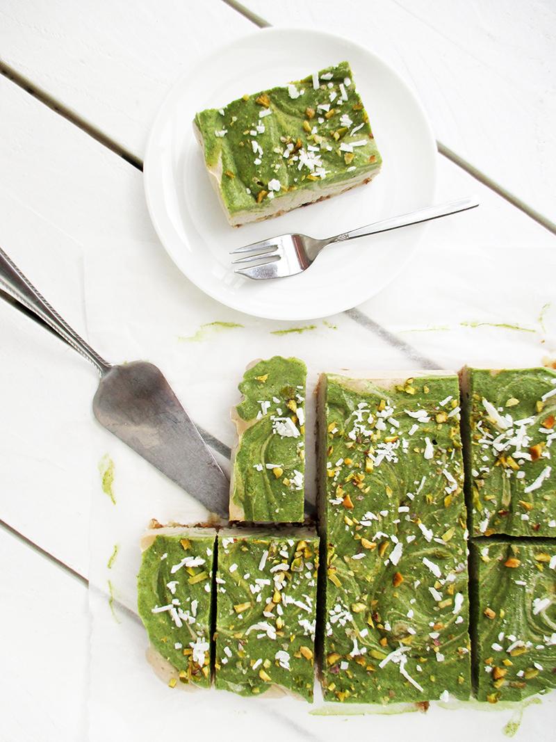 Vegan Gluten free Dairy free No Bake Kiwi Fruit Vanilla Cake Slice Recipe 1