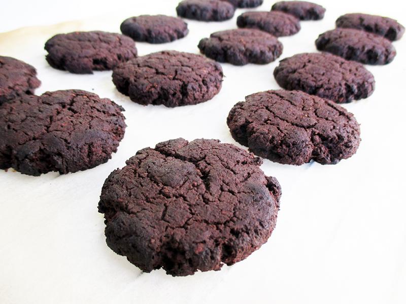 Vegane Glutenfreie Dunkle Schoko Kekse Cookies Ohne Mehl Ohne Kristallzucker Rezept 1