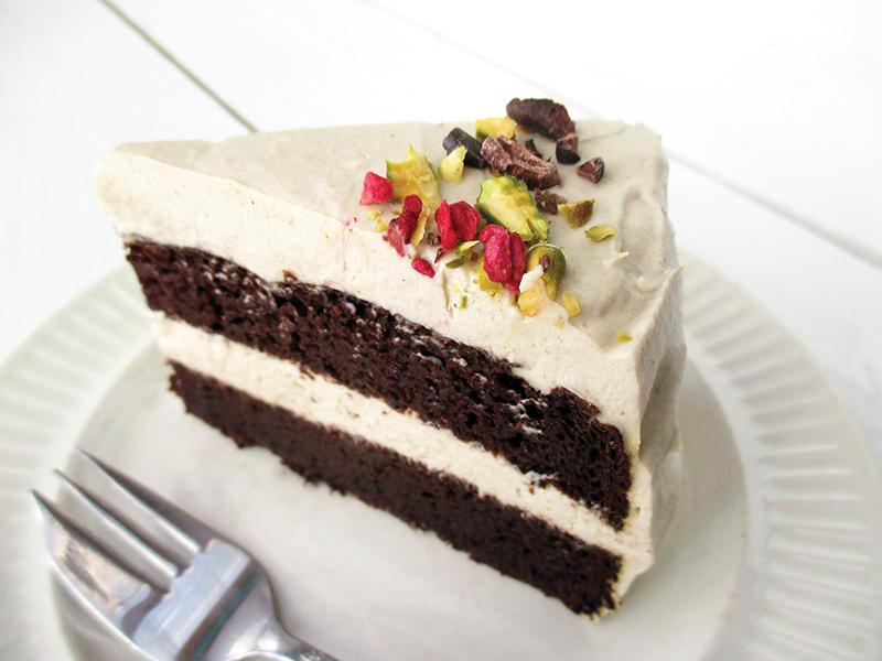 Vegan Gluten free Dairy free Oil free Chocolate Cake With Super Creamy Vanilla Frosting Recipe Rezept 2 1