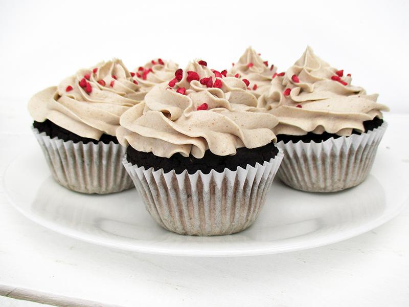 Vegane Glutenfreie Milchfreie Eifreie Nuss Milch Mehl Schokoladen Muffins Mit Vanille Creme Haeubchen Ohne Soja Ohne Zucker Rezept 3