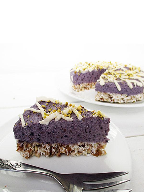 Vegan Gluten-free No Bake Berry Cake Recipe
