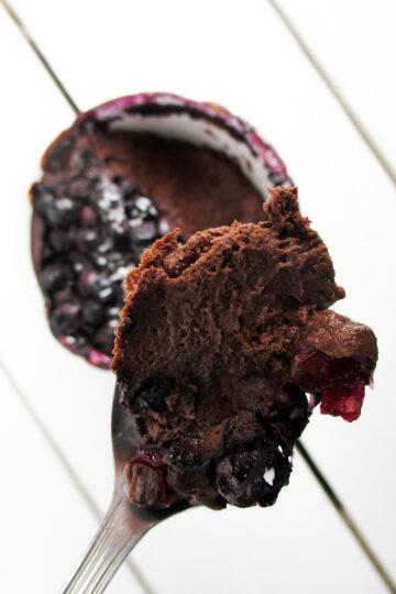 Veganer Glutenfreier Schokoladen Blaubeer Tassenkuchen Pudding Ohne Zucker Rezept 2 1