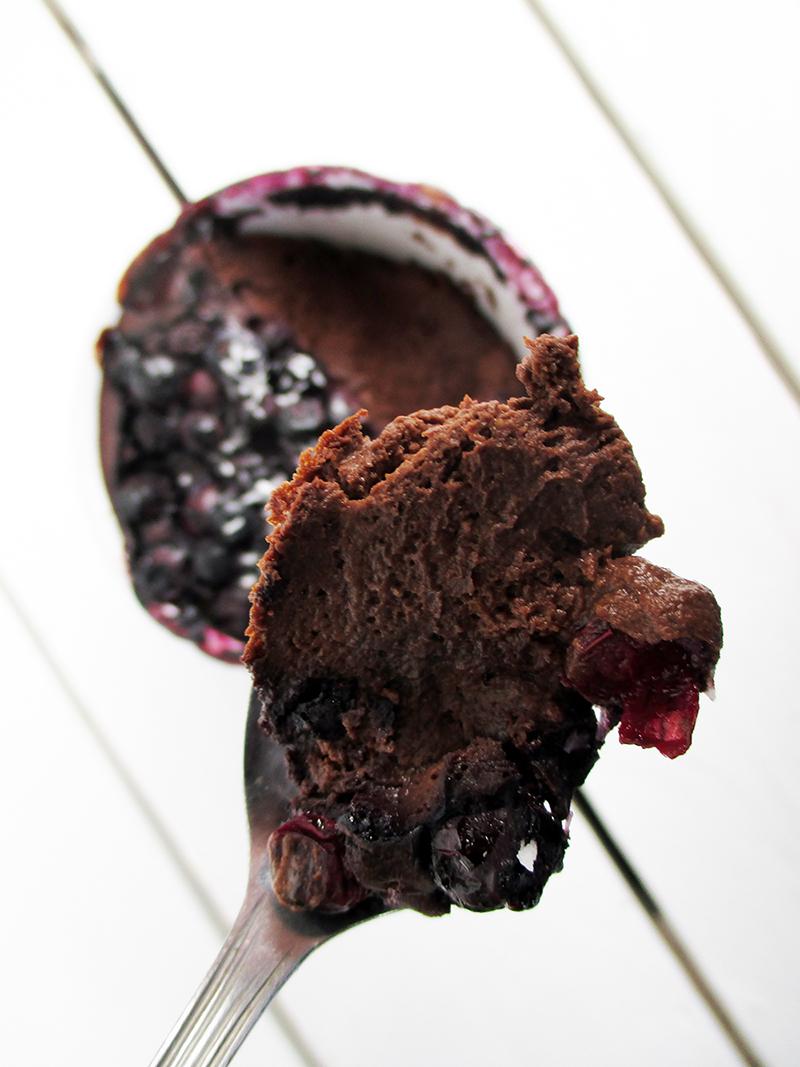 Veganer Glutenfreier Schokoladen Blaubeer Tassenkuchen Pudding Ohne Zucker Rezept 2