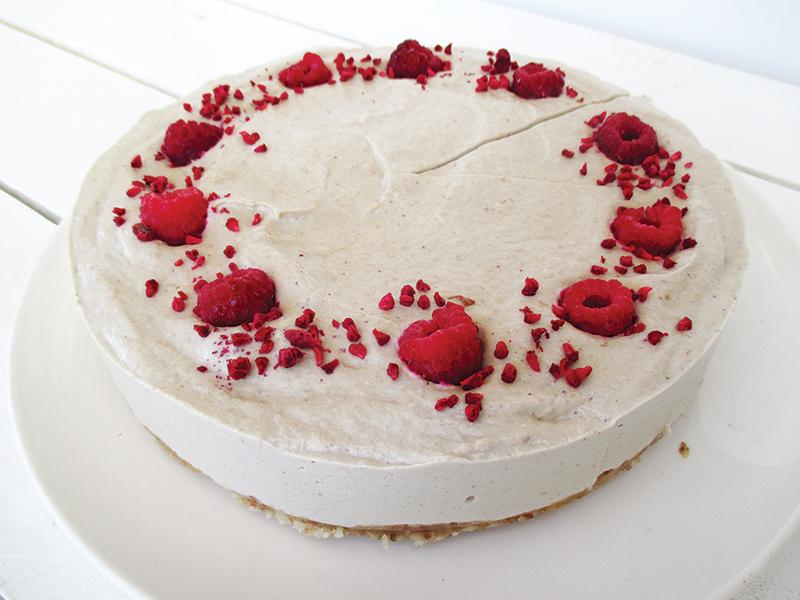 No Bake Vegan Gluten free Dairy free Refined Sugar Free Raspberry Vanilla Cake Recipe 1