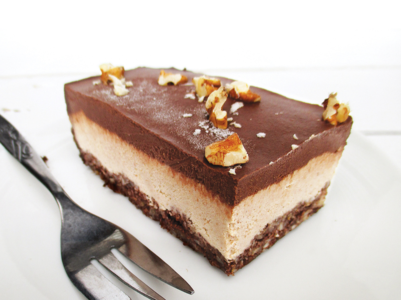 vegan & gluten-free No-Bake Walnut Chocolate Slices