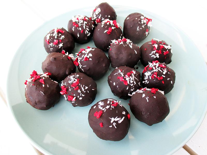 Vegane Glutenfreie Fruchtgesuesste Nussfreie Hirse Schokoladen Bällchen Ohne Zucker Ohne Nuesse Ohne Soja Rezept 3
