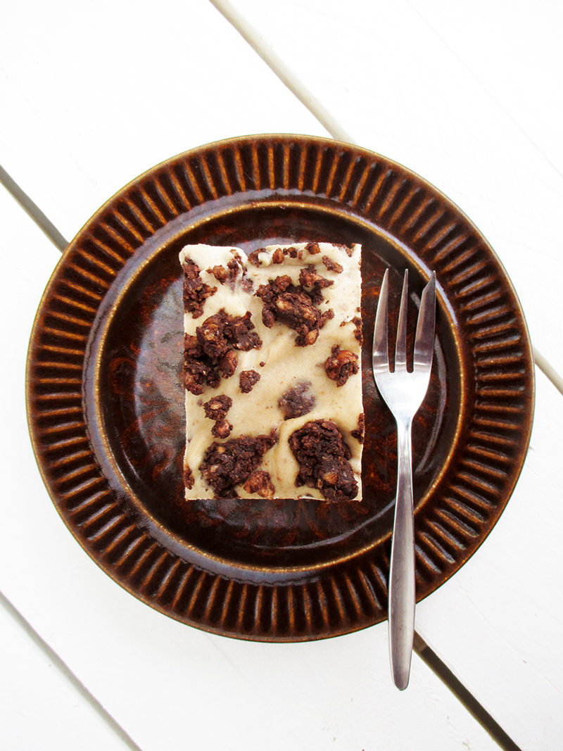 Vegan Gluten free Dairy free Refined Sugar Free No Bake Cookie And Cream Cake Slice Recipe 2