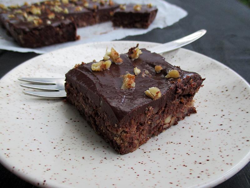 Walnuss Schokoladen Schnitten (Kuchen - Vegan, Glutenfrei, Ohne Kristallzucker)