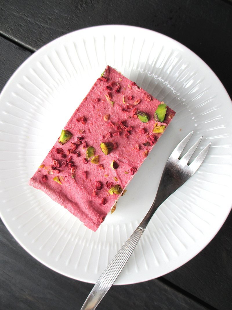 Vegan Gluten free No Bake Raspberry Almond Slice Recipe 4