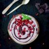 Vegane Glutenfreie Granatapfel Nicecream mit Schokoverzierung 1 2