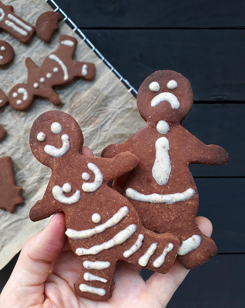 Vegan Gluten free Gingerbread Figures Fruit Sweetened Christmas Cookies Recipe 1