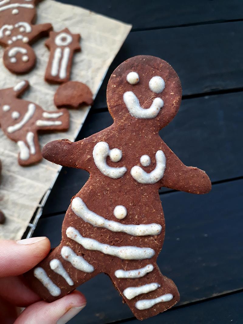 Vegan Gluten free Gingerbread Figures Fruit Sweetened Christmas Cookies Recipe 2
