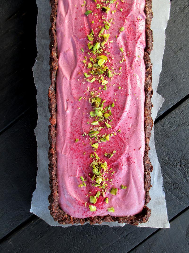 Vegan Gluten free Fruit Sweetened No Bake Raspberry Chocolate Tart Recipe 0